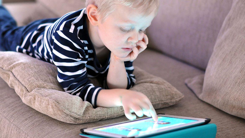 איך בכל זאת נגרום לילדינו בגיל הרך להתפתח בעולם הדיגיטלי?