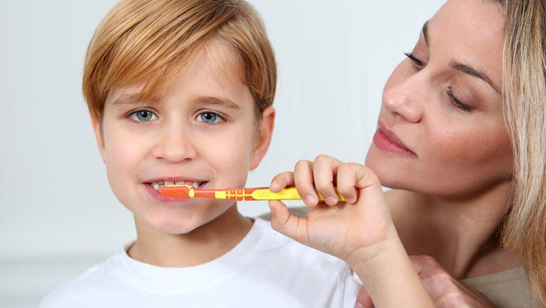 5 טיפים שיעזרו לכם להחדיר בילד את הרגלי צחצוח השיניים